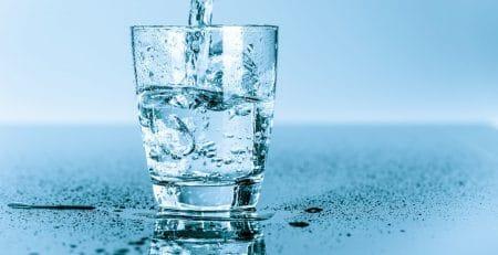 apa alcalină ionizată