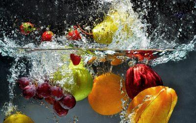 Spălați corect fructele și legumele?
